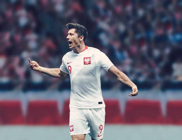 Polens Superstar Robert Lewandowski im neuen WM 2018 Heimtrikot. Photo: Nike Presse.