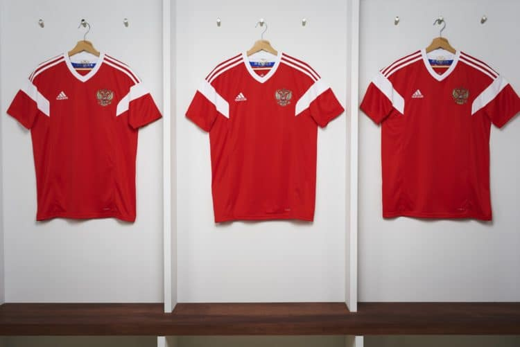 Russlands neues Heimtrikot beim Photoshooting. Photo: Adidas.