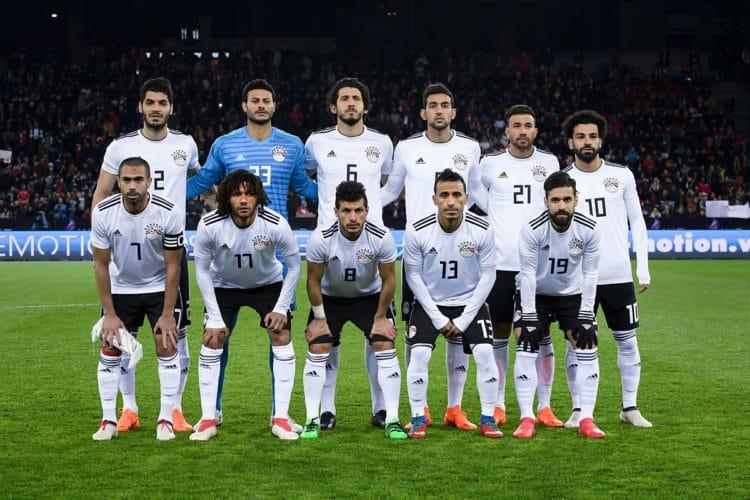 Ägyptens Startaufstellung bei ihrem Test gegen Portgual im März 2018. Zu sehen ist auch das neue WM 2018 Auswärtstrikot in weiß. Photo: AFP.