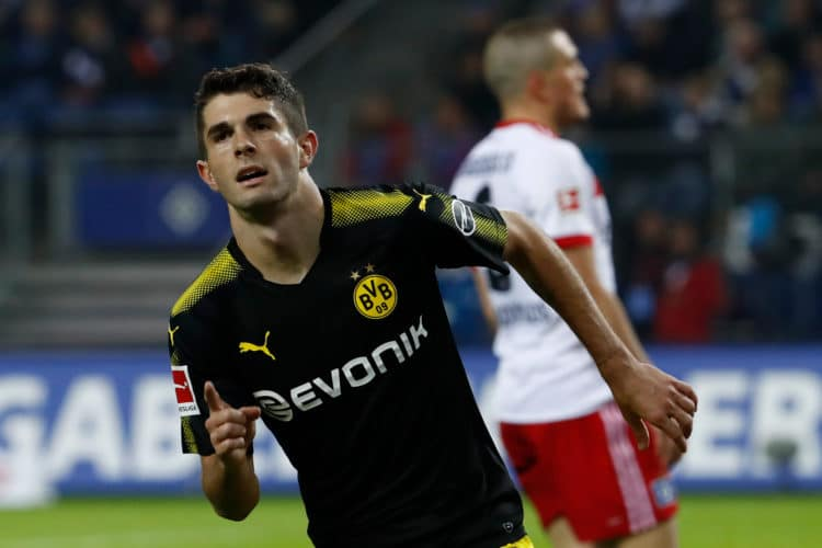 Dortmunds US Nachwuchsstar Christian Pulisic jubelt nach seinem Treffer zum 3:0 im Spiel der Borussia gegen den Hamburger SV am 20. September 2017 in Hamburg. / AFP PHOTO / Odd ANDERSEN /