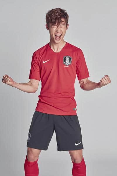 Das neue Heimtrikot Südkoreas für die WM 2018 von Nike. Photo: Nike Presse.