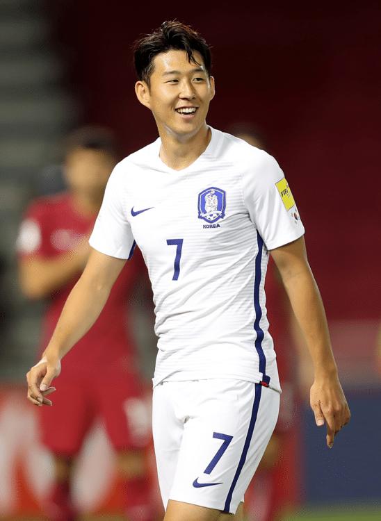 Südkoreas Heu Min-Song während dem WM 2018 Qualifikationsspiel zwischen Katar und Südkorea im Jassim Bin Hamad Stadion in Doha am 13. Juni 2017. / AFP PHOTO / KARIM JAAFAR