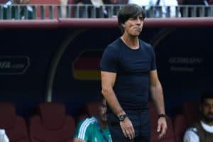 Joachim Löw nach der 0:_1 Niederlage sprachlos! Deutschland verliert seit 36b Jahren das erste Mal ein WM-Auftaktspiel./ AFP PHOTO / Kirill KUDRYAVTSEV