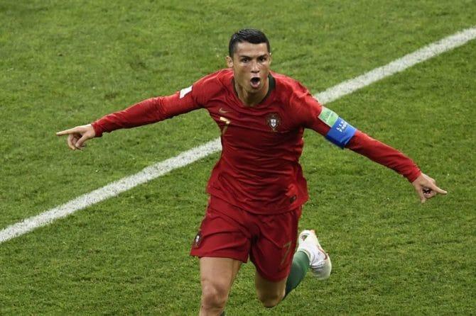 Fußball heute am 20.6.: Portugal's Stürmer Cristiano Ronaldo mit einem Hattrick im 1.Wm-Spiel gegen Spanien am 15.Juni 2018 in Sotchi. / AFP PHOTO / Jonathan NACKSTRAND
