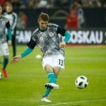 Das DFB Aufwärmtrikot 2018 - DFB Pre Match Shirt jetzt kaufen! DFB Trikot 2018