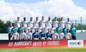 Das DFB Mannschaftsfoto des DFB Kaders 2018 für Russland mit den 23 Nationalspielern und dem Trainerteam. (Foto DFB)