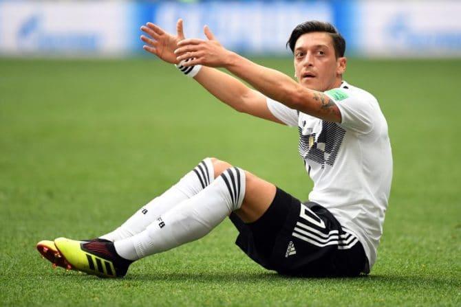 Mesut Özil am 17.Juni 2018 gegen Mexiko bei der WM 2018. / AFP PHOTO / Kirill KUDRYAVTSEV