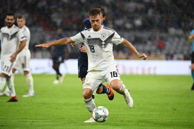 Deutschlands Joshua Kimmich wittert die Chance, sich im Mittelfeld der Nationalmannschaft durchzusetzen. Hier ist er beim UEFA Nations League Spiel zwischen Frankreich und Deutschland am 6. September 2018 in München, als Mittelfeldregisseur zu sehen. / AFP PHOTO / FRANCK FIFE