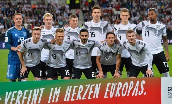 Die deutsche Fußballnationalmannschaft beim Freundschaftsspiel gegen Peru am 9.September 2018 in Sinsheim. / AFP PHOTO / THOMAS KIENZLE /