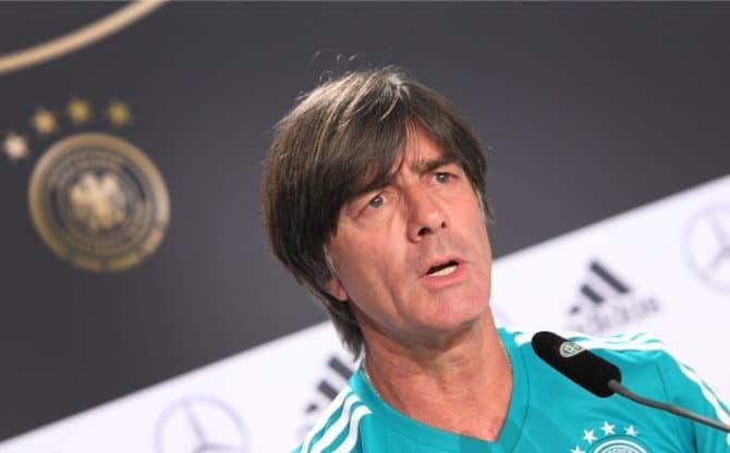 Bundestrainer Joachim Löw lässt in Zukunft Müller, Hummels und Boateng zu Hause. / AFP PHOTO / Daniel ROLAND