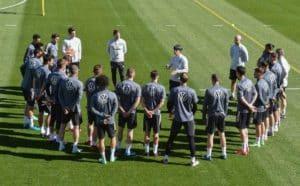 Das DFB Team im EM-Trainingslager angekommen (Foto AFP)