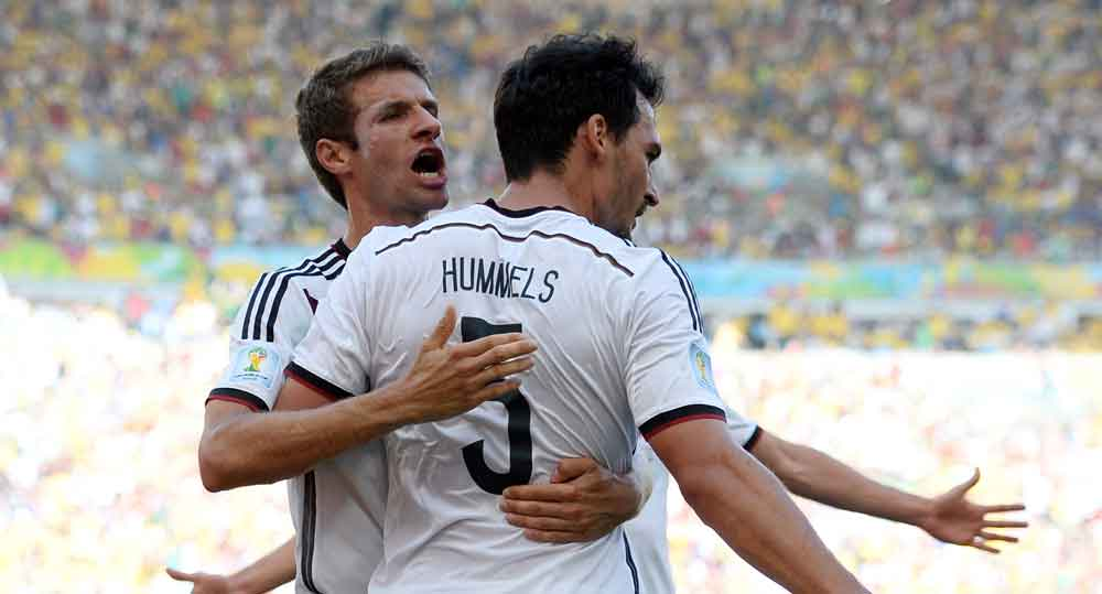 Thomas Müller und Mats Hummels sind wieder mit dabei! Wie hier bei der erfolgreichen WM 2014 wo beide Weltmeister wurden, soll es bei der Fußball EM 2021 auch sein! (Foto AFP)