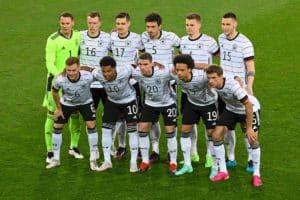 Die deutsche Startaufstellung gegen Dänemark am 2.Juni 2021 in Innsbruck (Foto AFP)