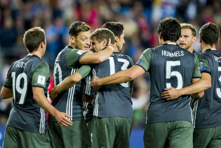 Thomas Müller erzielt das 1:0 gegen Norwegen! AFP PHOTO / NTB scanpix AND NTB Scanpix / Vegard Wivestad Grott