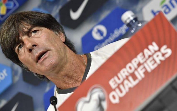 Joachim Löw will auch das 5.Spiel in der WM-Qualifikation gewinnen! / AFP PHOTO / John MACDOUGALL