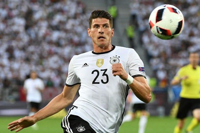 Mario Gomez gegen Italien am 2.Juli 2016 im EM-Viertelfinale AFP PHOTO / VINCENZO PINTO
